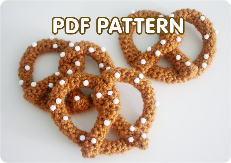 Pretzel Brooch  PDF Crochet Pattern  Twinkie Chan  image 0