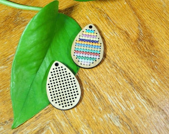 Cross stitch pendant blank, drop in bamboo