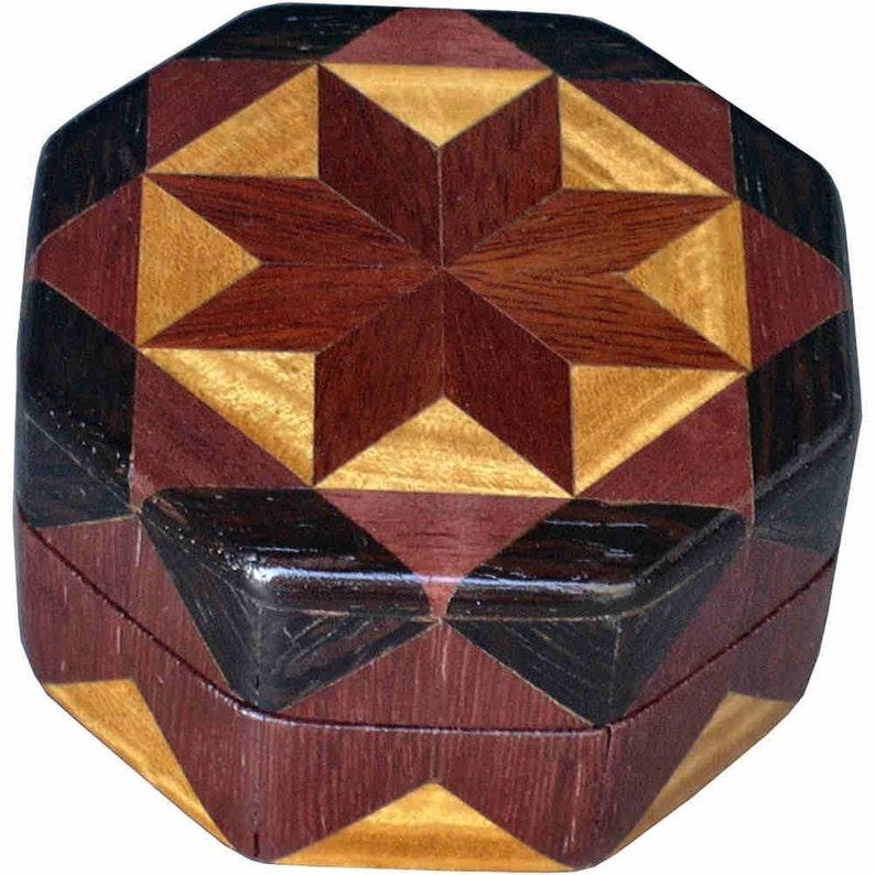 Bloodwood Star Ring Box image 0