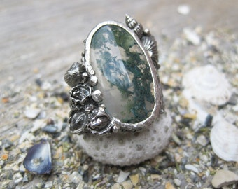 Green Moss Agate seashell ring, shell collage statement ring size 8.75 ready to ship