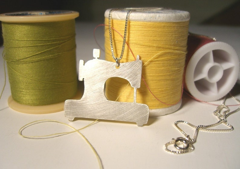 SEWING MACHINE sterling silver silhouette necklace image 0
