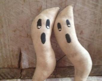 Primitive Halloween Ghost Ornies