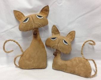 Primitive  Cats Sadie and Jinx