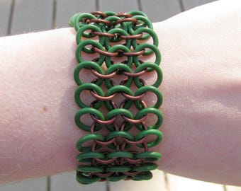 Elf Jewelry Rubber Stretch Bracelet - Fantasy Chainmaille Jewelry for Men or Women In Brown And Green