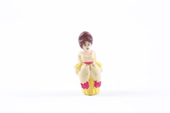 Polly Pocket, petit, minuscule, en plastique, jouets, Figure, cheveux bruns, femme, jaune, robe de bal, robe, enfants, jouets Vintage, Vintage ~ 170521