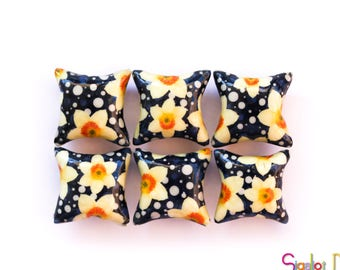 Polymer clay pillow beads -  yellow on blue flower beads -ceramic tile style-  handmade beads -millefiori beads - 20mm (6)