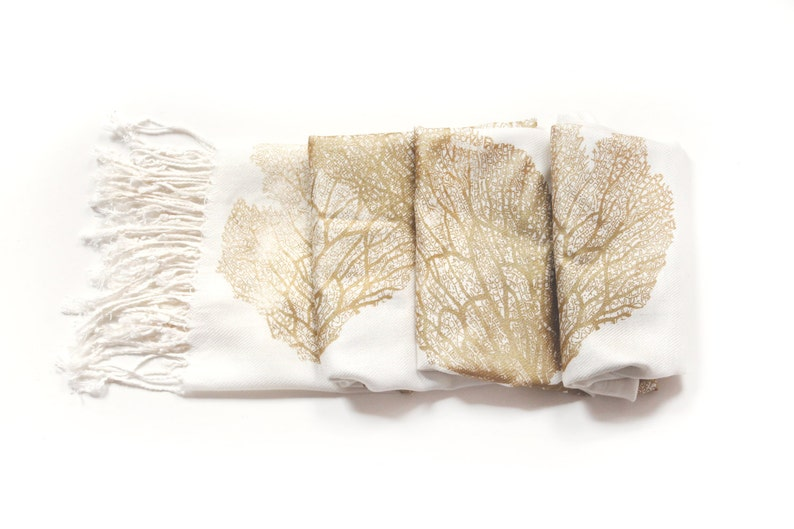 Seafan Heart Scarf White/Gold image 0