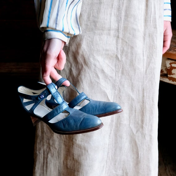 1920s Teal Blue T-Strap Shoes Size 4 A