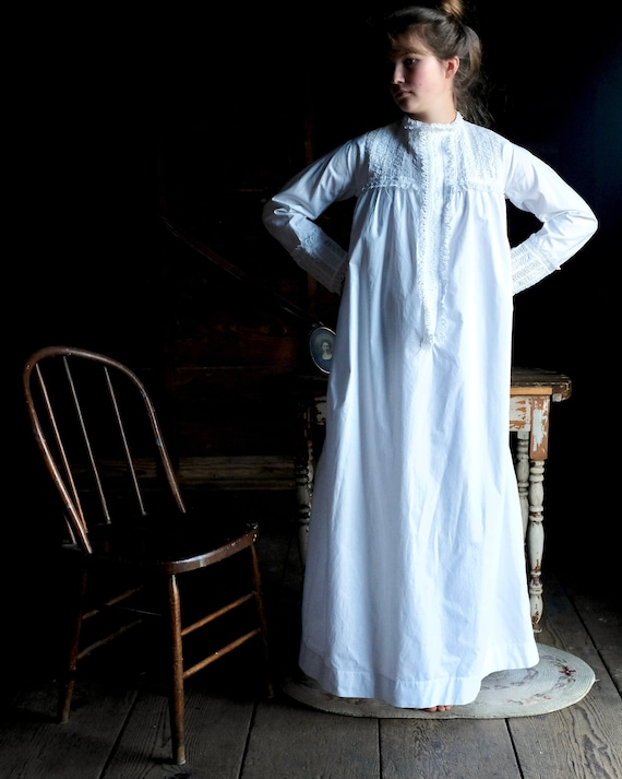 Victorian 1880s Nightgown Size Small