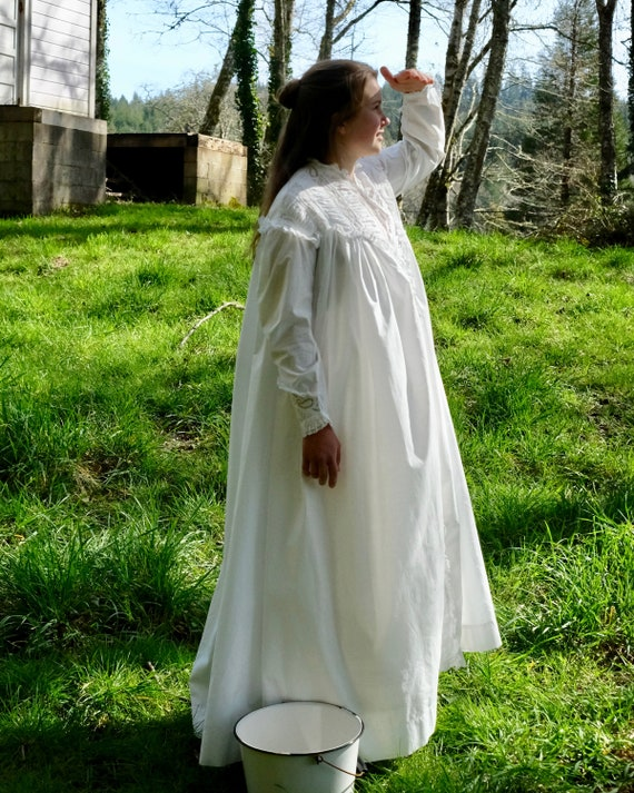 Antique 1880s Victorian Dressing Gown Nightdress … - image 3