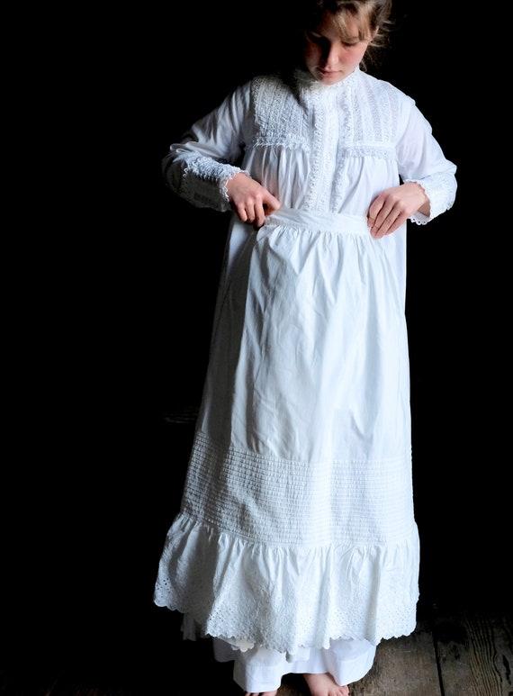 """Antique 1890s Petticoat 23"""" Waist"""