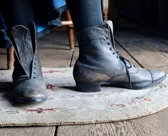 Victorian Grey Leather Lace Up Low Heel Boots 8 Na
