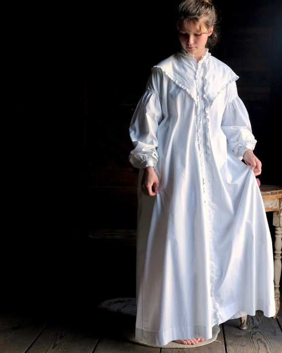 Victorian 1860s Nightgown Dressing Gown