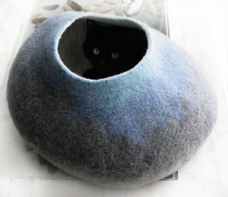 Pet bedding  Felted Cat Cave  Cat Nap Cocoon  Cat Bed  House  Vessel Crisp Minimalistic Design Hand Felt Wool Grey Sky Bubble