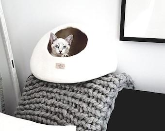 Pet Beds & Cots