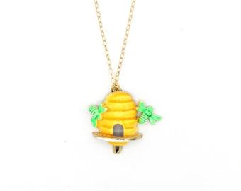 Bzzzzz - Vintage Enamel Bee Hive Pin Necklace