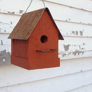 Feeders & Birdhouses