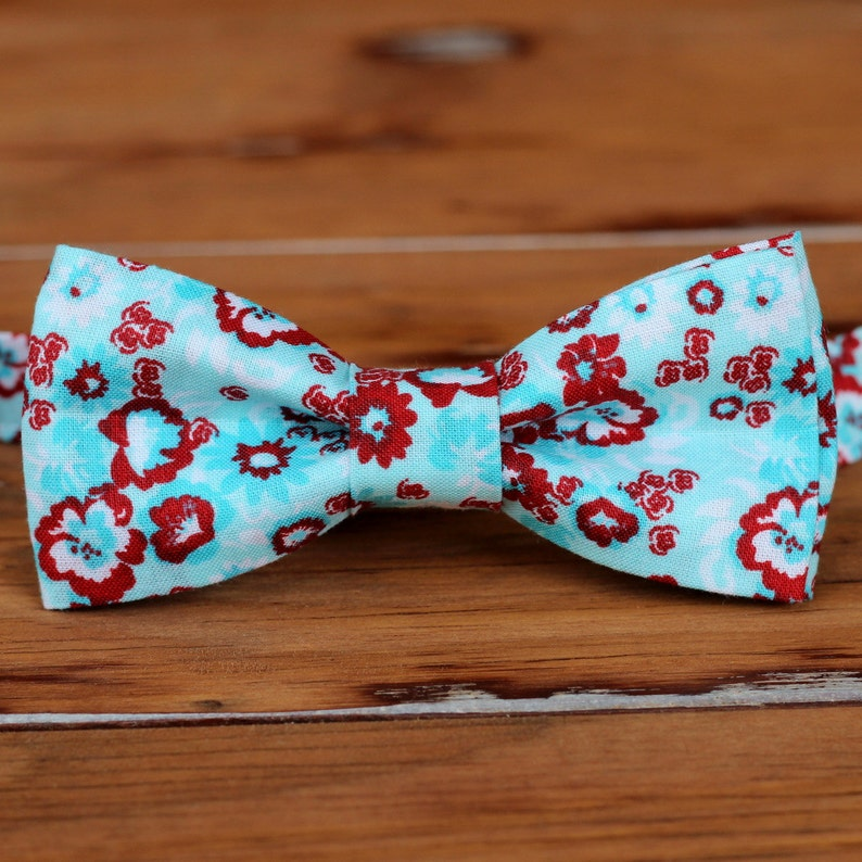 Boys Blue Red Bow Tie  boys red white blue floral cotton image 0
