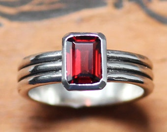 Red garnet ring silver, emerald cut garnet ring, january birthstone ring, garnet engagement ring, red ring, modern silver ring, column ring