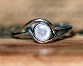 White gold moonstone engagement ring, rainbow moonstone ring, minimalist moonstone ring, natural moonstone, bezel ring mini pirouette custom