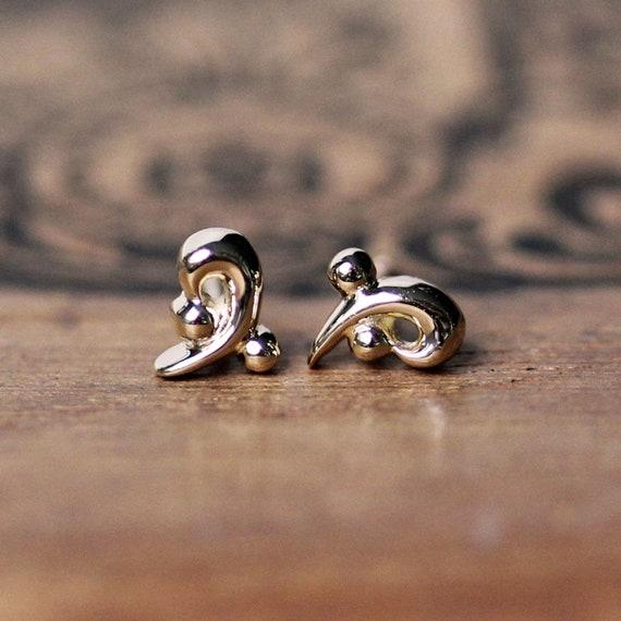 14kt White Gold Long Curled Post Earrings