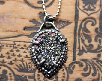 Druzy necklace, silver druzy necklace, drusy necklace, druzy pendant, druzy quartz necklace, rainbow necklace, boho necklace, boho jewelry