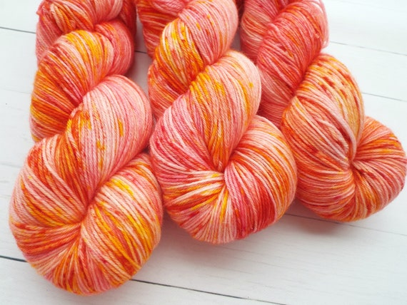 Hand Dyed Yarn Hand Dyed Sock Yarn Superwash Merino Nylon Blend 80/20 Fingering Weight Yarn - Speckled Yarn Pink Orange - Pink Grapefruit