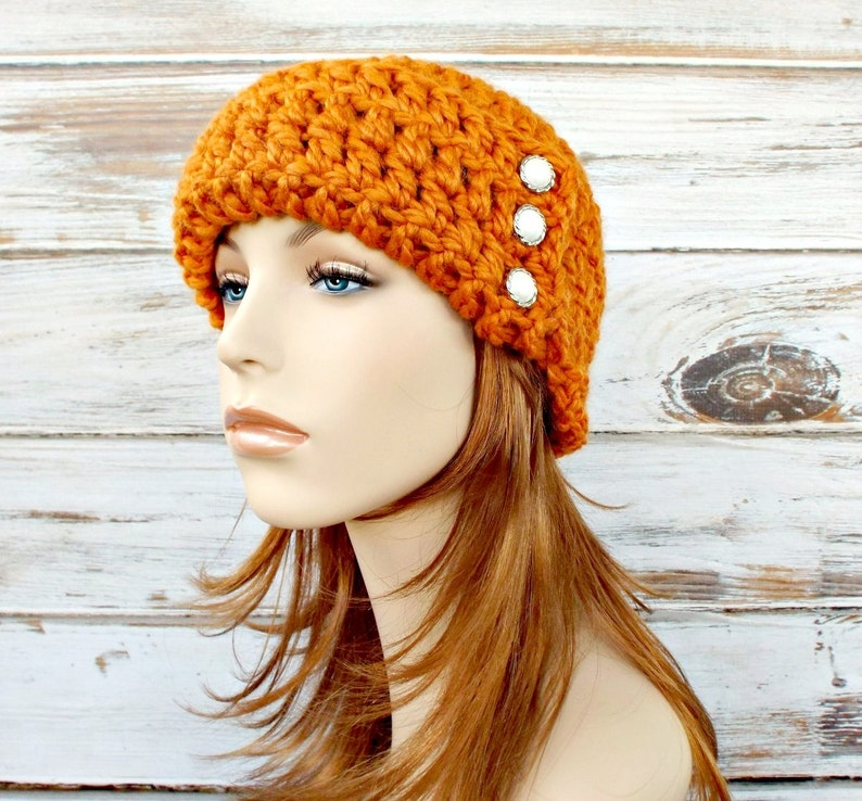 dc19b998fd9 Crochet Hat Womens Hat 1920s Flapper Hat Garbo Cloche Hat in