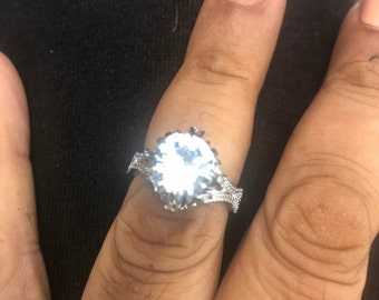 Vintage white Sapphire Crystal silver filigree Cocktail ring  - size 7