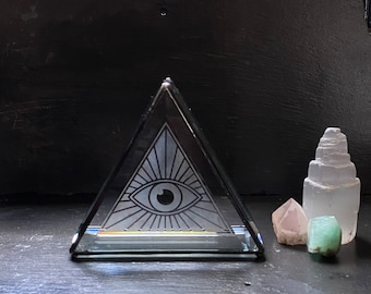 Evil eye Stained Glass Pyramid All Seeing Eye Crystal Display Shelf Plant Holder Geometric Jewelry Storage Glass Display Shelf Protection