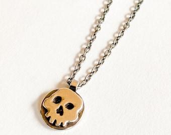 Medium skull pendant necklace