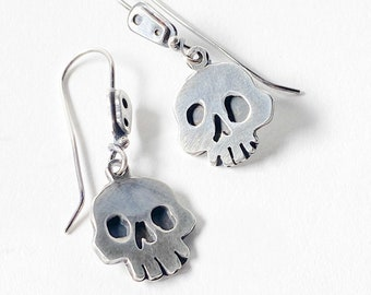 XL skull dangle earrings