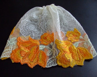 Blythe / DAL Skirt - Vintage Floral Lace - Lily's Secret Garden