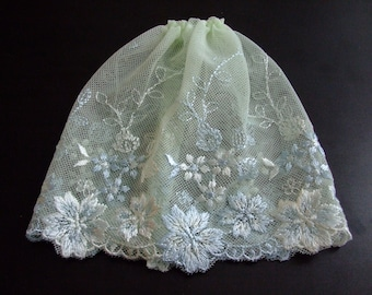 Blythe / DAL Skirt - Vintage Floral Lace - Stella's Secret Garden