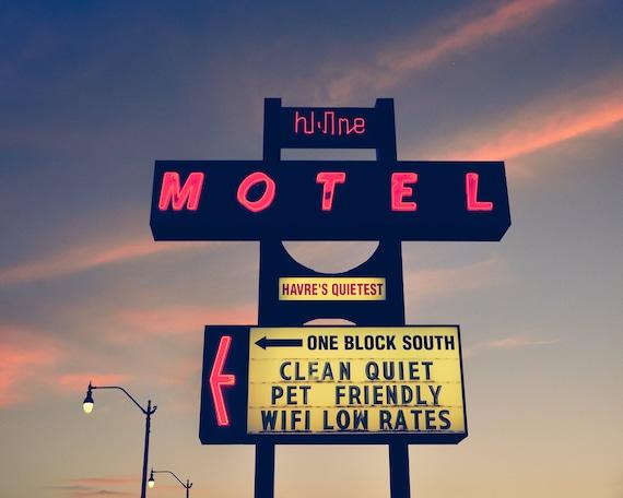 """Hi Line Motel"""