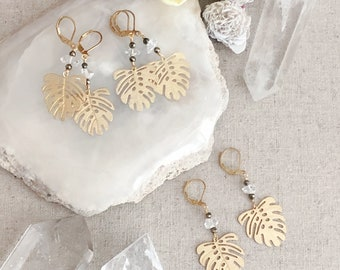 Herkimer Diamond & Brushed Gold Monstera Earrings, Gemstone Jewelry, Boho Style, Gemstone Earrings, Gold Brushed Leaf Earrings, Quartz