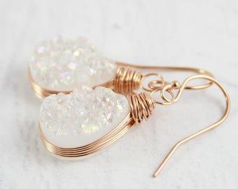 Raw Quartz Dangle Earrings – Teardrop Wire Wrapped Earrings – Quartz Drop Earrings – Rose Gold Druzy Earrings – Bridal Crystal Drop Earrings