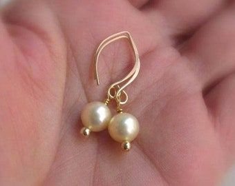 14kt Gold Filled Pearl Drop Earrings, Genuine Vintage Freshwater Ivory Pearls, Handmade Elfin Earwires... Classic Pearl Jewelry