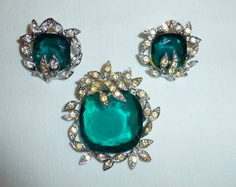 Vintage Sarah Coventry Brooch and Clip Earrings Set, Emeral Green and Rhinestones