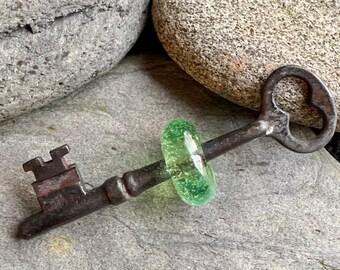 Skeleton Key Boro Glass Beaded Pendant Lampwork Bead Transparent Lime Green