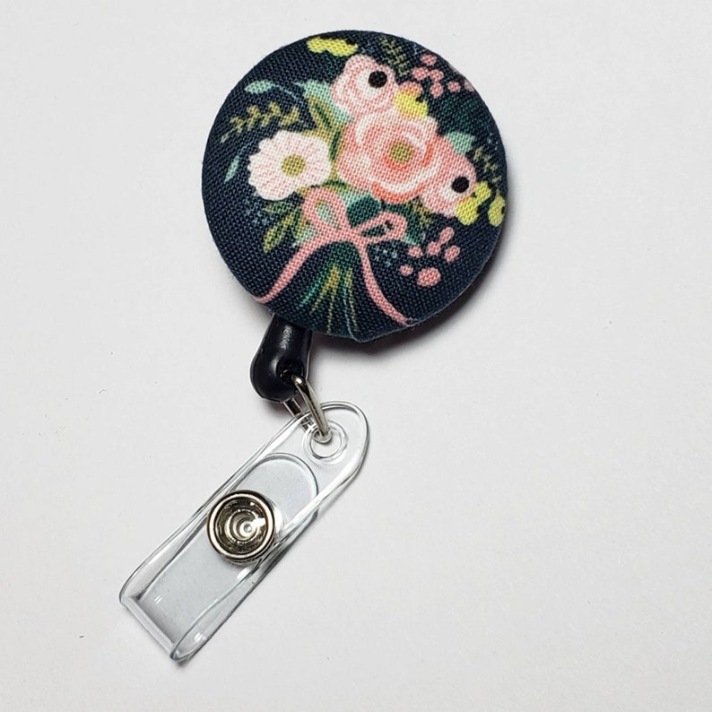 Retactable ID Badge Reel / ID Badge Holder / Name Badge Clip / image 0