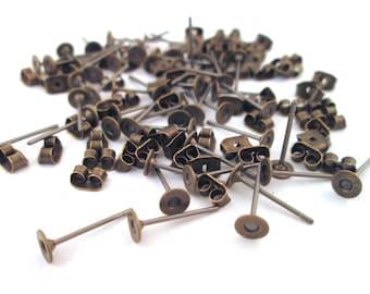 4mm flachen Pad-Messing-Ohrstecker mit Ohrmuttern, wählen Sie Ihre Menge, C194