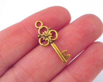 Antique Gold Plated Skeleton Key Charms, pick your amount, D150