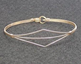 Gold Wire Bracelet - Gold Bangle - Delicate Design Gold Wirewrapped Bracelet - Affordable Bracelet - Lightweight Bracelet - Great Gift