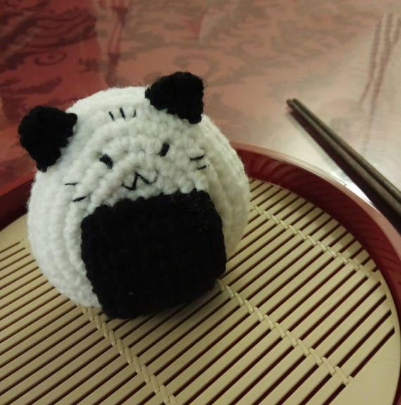 How To Crochet Sushi Amigurumi [FULL TUTORIAL] - YouTube | 576x570