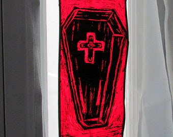 Coffin Halloween Decor Suncatcher Hanging Red Stained Glass Painted Victorian Gothic Coffin Window Charm Indoor Suncatcher Vampire