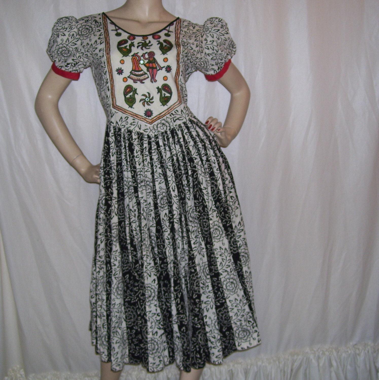 Amazing Dancing Peacock Batik Dress Vintage Black White