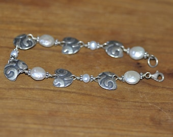 Fine Silver Links with Pearl Accents Bracelet