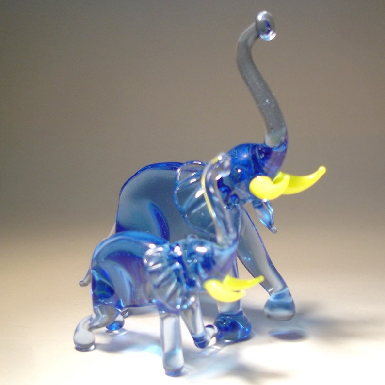 "Blown Glass /""Murano/"" Art Figurine Animal Cobalt Blue ELEPHANT with Raised Trunk"