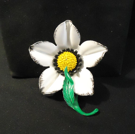 Enamel Flower Brooch Pin White Painted Petals Yellow Gold Etsy